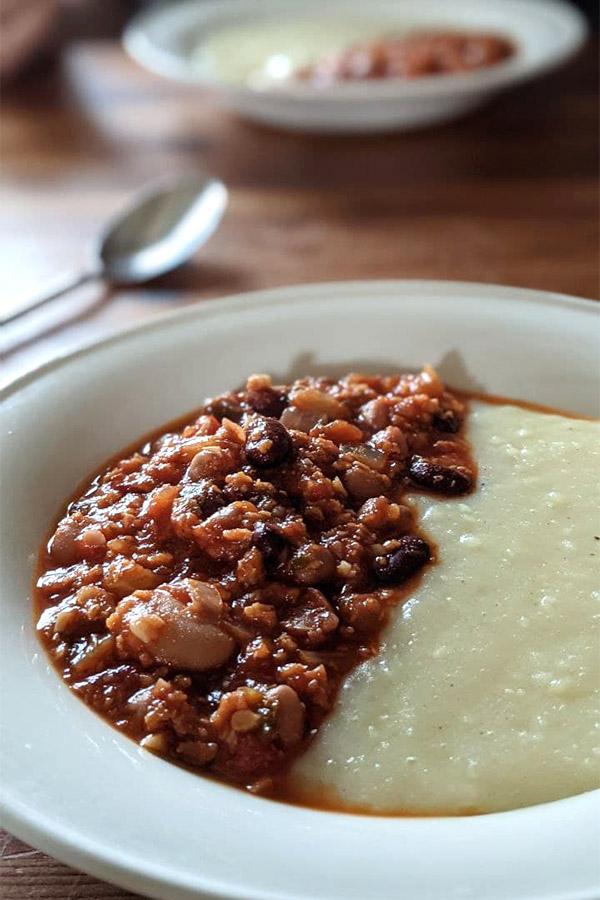 Protéines de soja texturées dans un chili sans viande